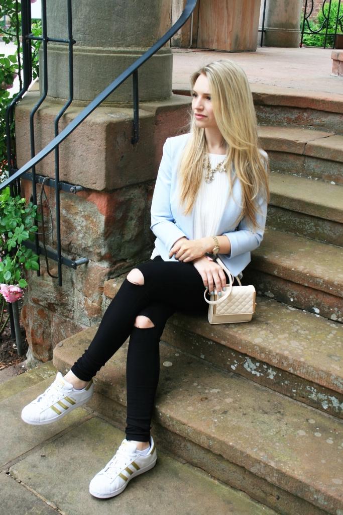 Franziska Elea Blogger Fashion München Sommer 2015 Look Style Outfit Mode Blazer Adidas Superstar schwarze Hose Primark Franziska Dully