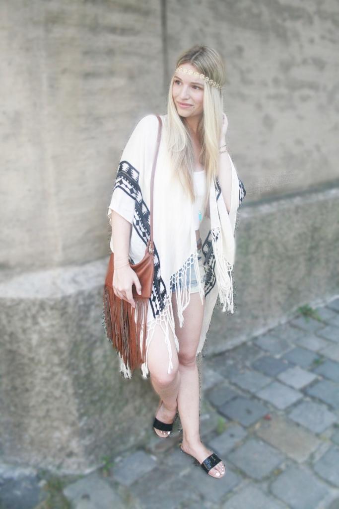 Franziska Elea Fashionblog Hippie Boho Sommer 2015 Trend Subdued Forever 21 HM Tuch Poncho
