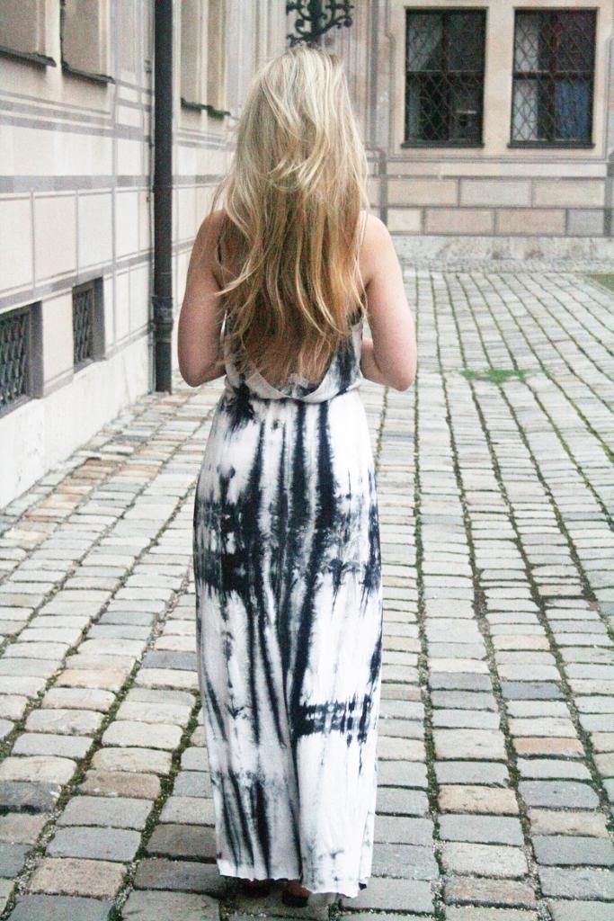 Franziska Elea Maxikleid Sassyclassy München Fashionblog