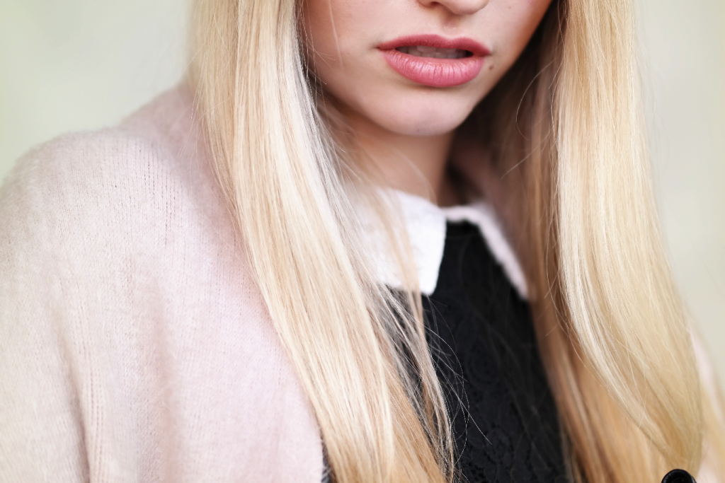 Franziska Elea Fashion Blog aus München Details Bubikragen
