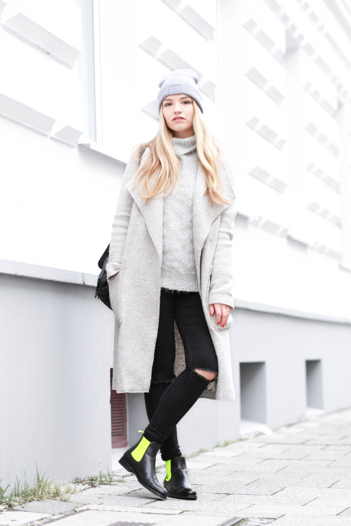 Fashionblog Modeblog München Serfan Chelsea Boots Zara Oversize Mantel Modeblogger Fashionblogger Franziska Elea Rucksack Primark Lederrucksack deutsche Blogger Onepiece