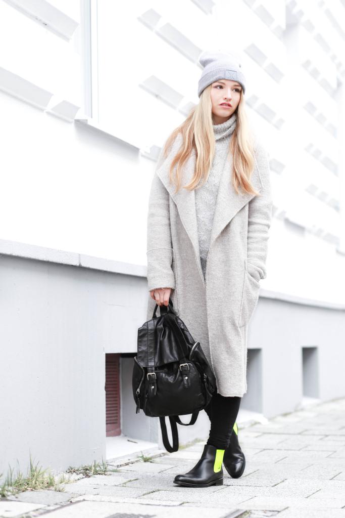 Fashionblog Modeblog München Serfan Chelsea Boots Zara Oversize Mantel Modeblogger Fashionblogger Franziska Elea Rucksack Primark Lederrucksack deutsche Blogger Onepiece Munich