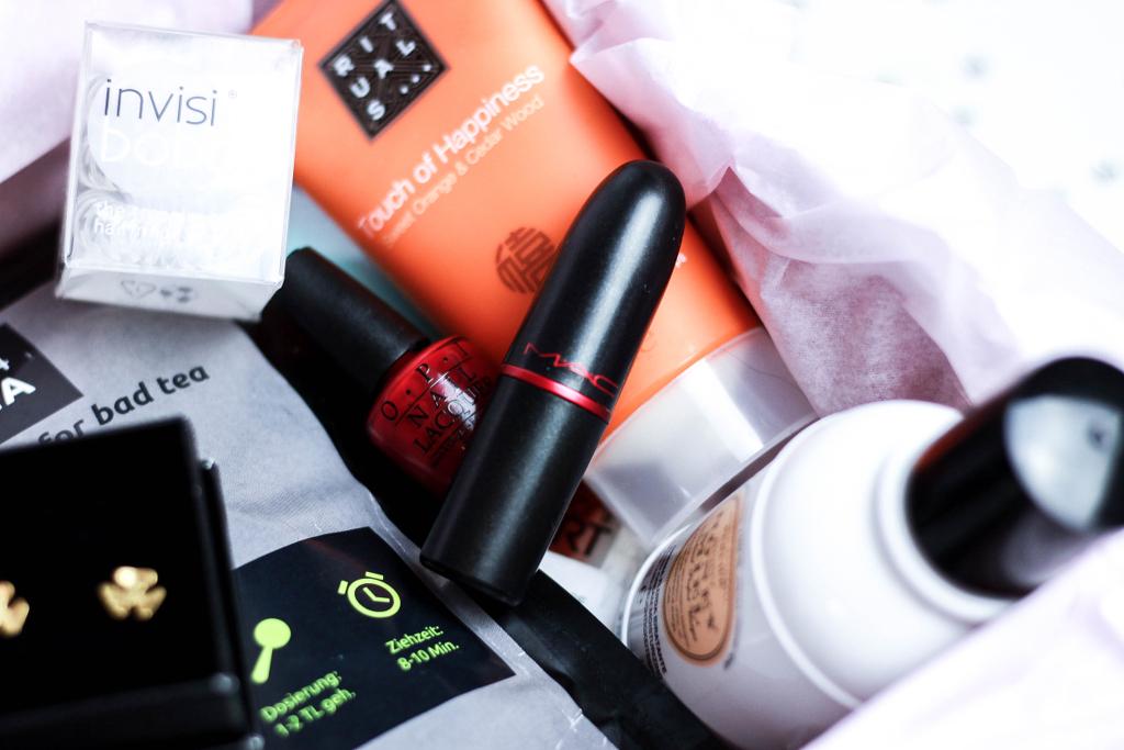 Giveaway Sneak Peak MAC Lippenstift Body Lotion