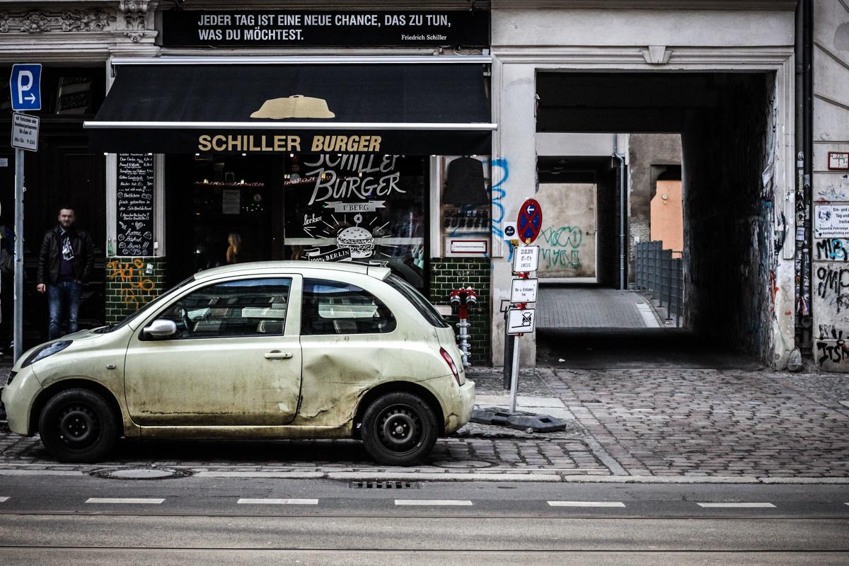 Berlin Street Photography Februar 2016 Franziska Elea Straßenfotografie Fotografie Motiv Streetphotography Prenzlauer Berg Kreuzberg deutsche Blogger Fahrrad Streetstyle Auto typisch