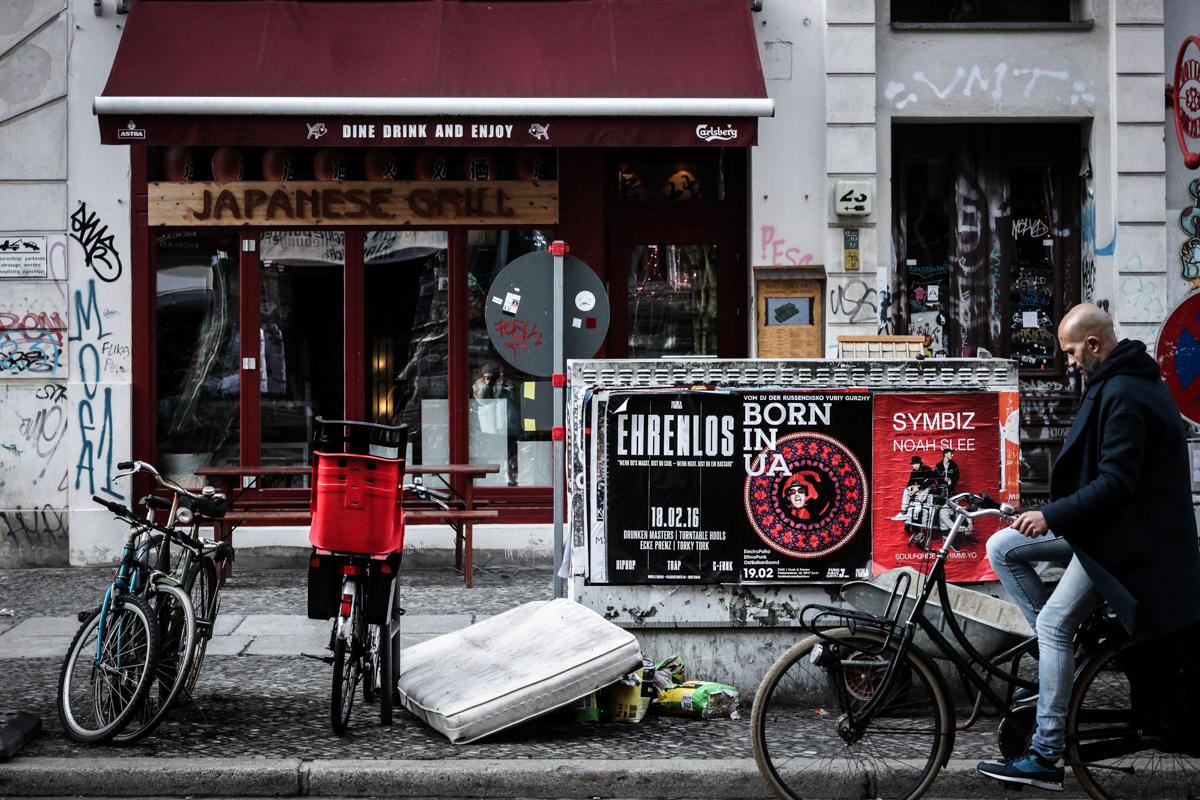 Berlin Street Photography Februar 2016 Franziska Elea Straßenfotografie Fotografie Motiv Streetphotography Prenzlauer Berg Kreuzberg deutsche Blogger Fahrrad Streetstyle Mitte
