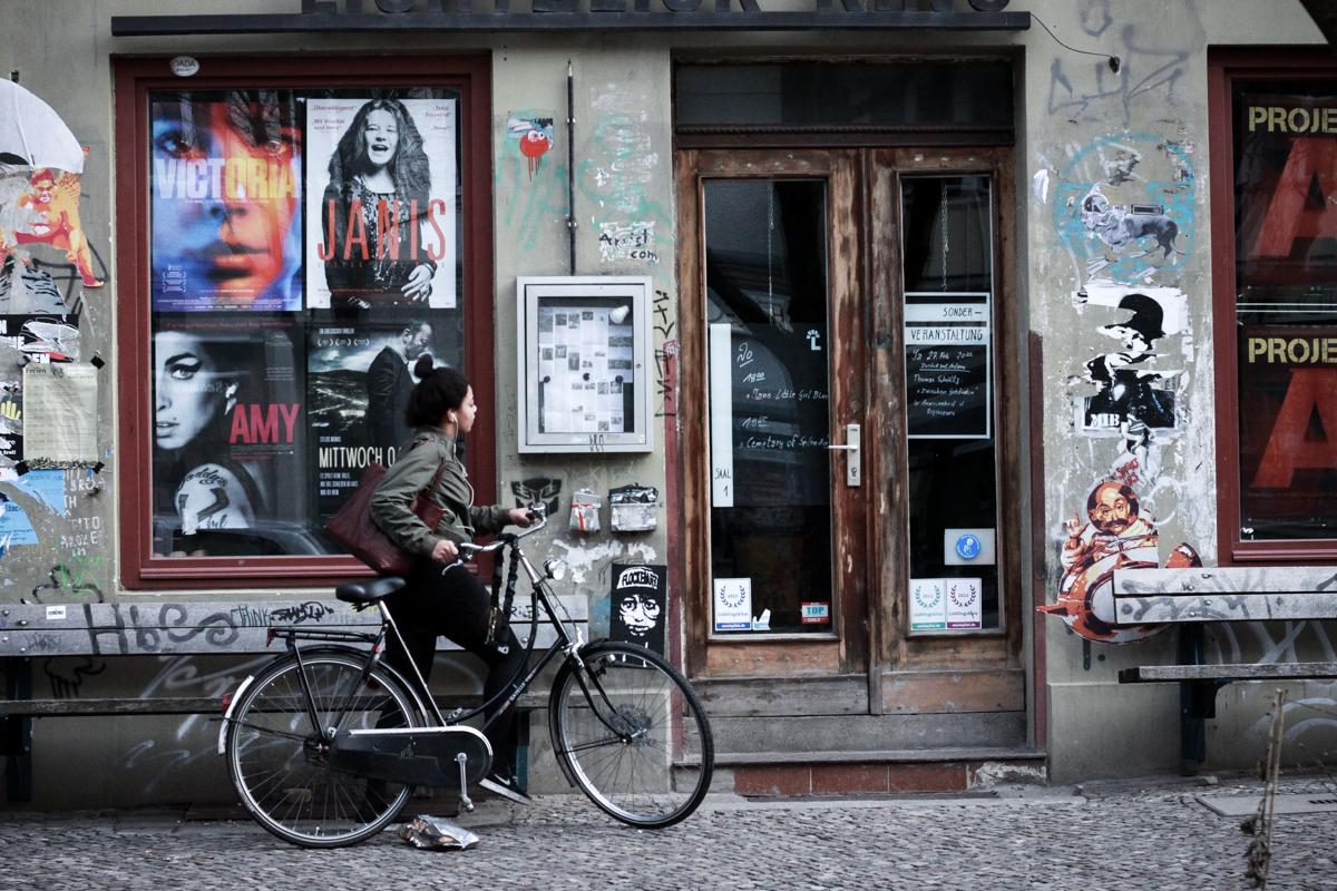 Berlin Street Photography Februar 2016 Franziska Elea Straßenfotografie Fotografie Motiv Streetphotography Prenzlauer Berg Kreuzberg deutsche Blogger Fahrrad Streetstyle