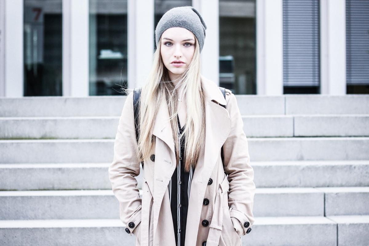 Franziska Elea Fashion Blog München Trenchcoat Mango deutsche Blogger Modeblog Mütze Winter Look Outfit ootd Style Mode Berlin beige Trench Coat instagram