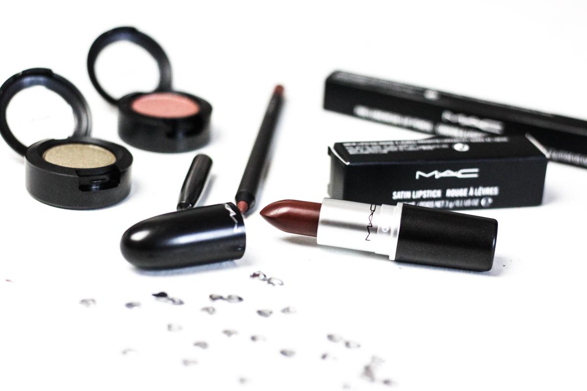 Franziska Elea Fashion Blog München deutsche Blogger instagram Bauty Beautyblogger MAC Cosmetics Tester Lippenstift Lidschatten Eyeshadow bronze oliv Lipliner