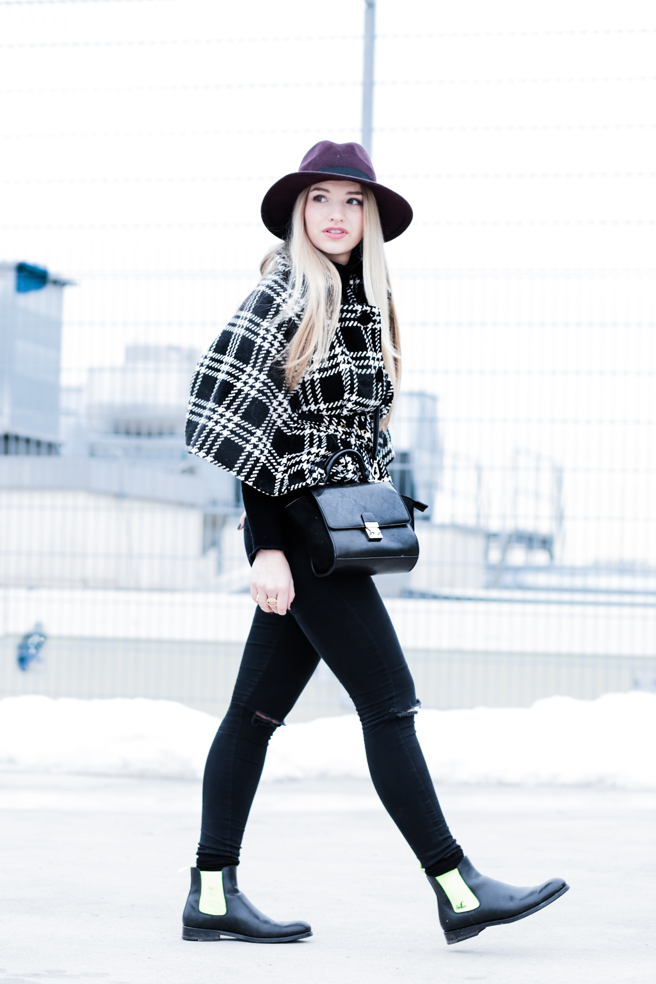 Hut Primark Serfan Chelsea Boots, Cape Poncho Fashionblog Modeblog Fashionblogger Modeblogger München Berlin Lifestyleblog Franziska Elea Instagram