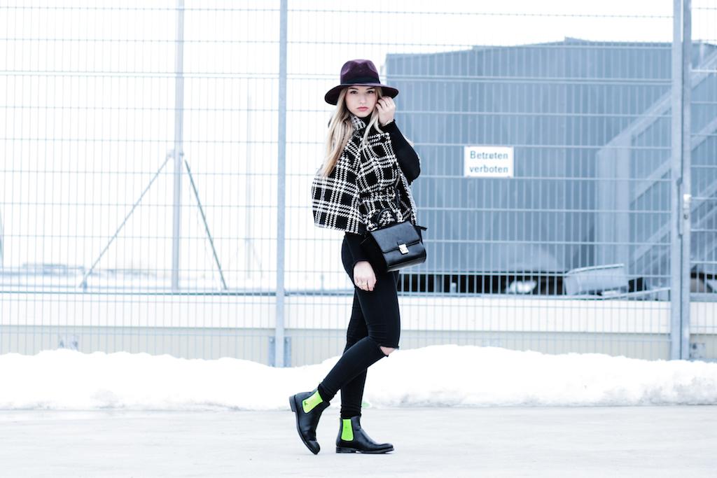 Hut Primark Serfan Chelsea Boots, Cape Poncho Fashionblog Modeblog Fashionblogger Modeblogger München Berlin Lifestyleblog Franziska Elea Ootd Primark Karomuster Kopie