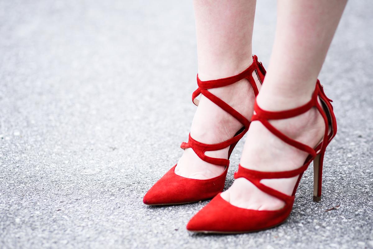 Franziska Elea Mode Blog München ootd Outfit Look Style Fashionblogger Modeblogger Berlin Edited Zara High Heels rot Absatz hohe Schuhe Wildleder Optik spitz