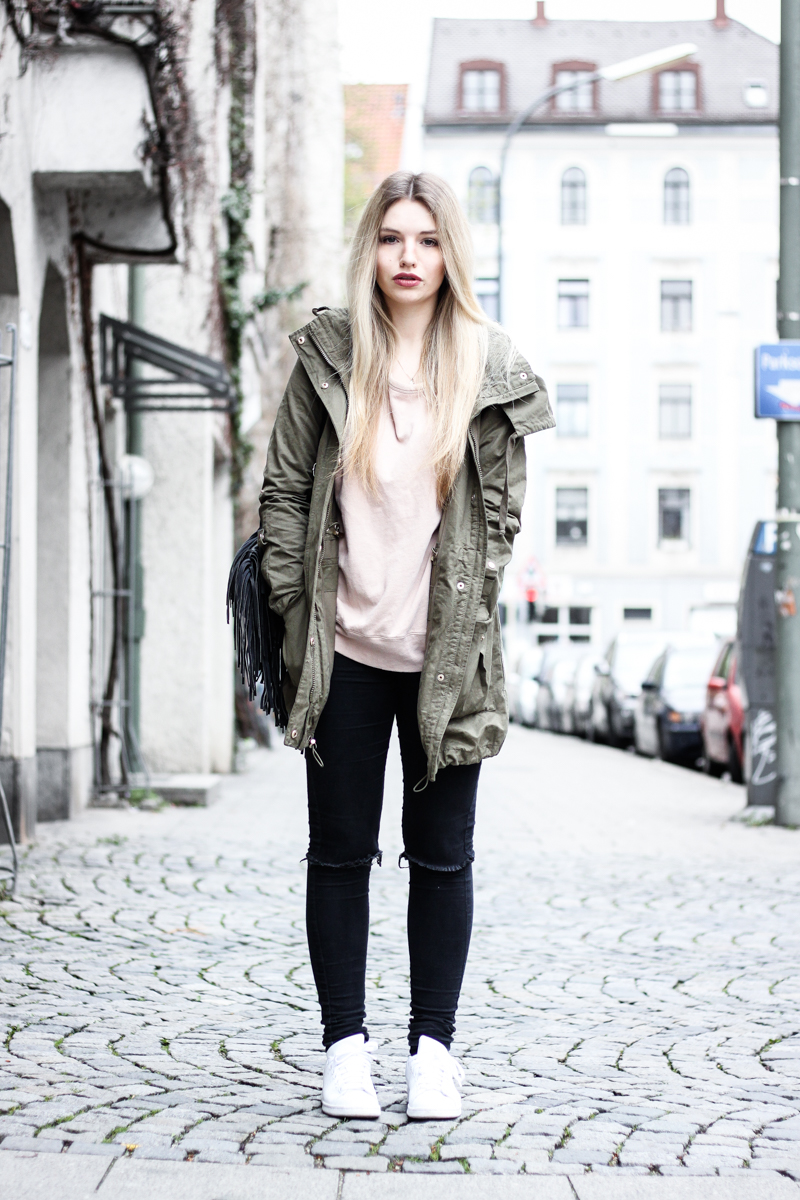 Franziska Elea Blogger Mode Lifestyle Beauty Fashionblog Parka Style Look Superga Sneakers Influencer Instagram Jacke München