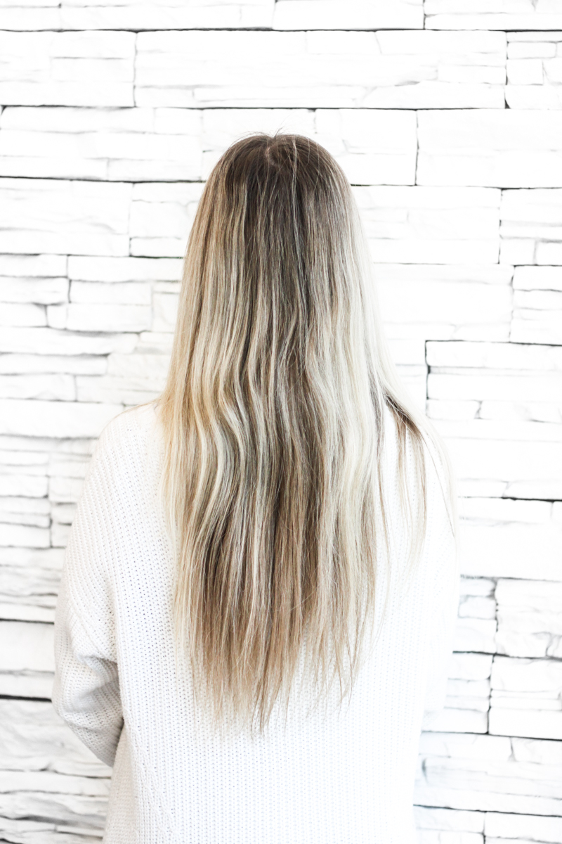 Franziska Elea Blogger Mode Lifestyle Beauty Granny Hair graue Haare färben Silber Friseur München blond
