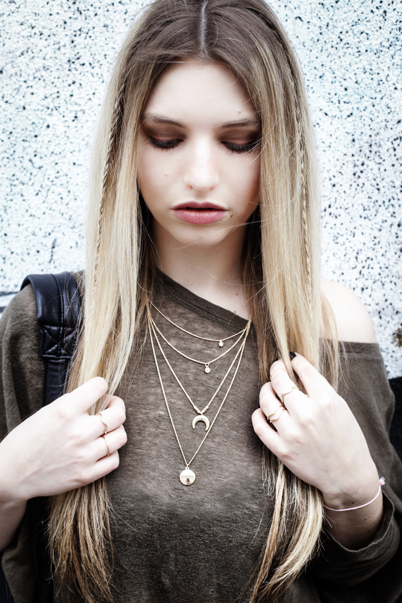 Franziska Elea Blogger Mode Lifestyle Beauty Outfit Kombination Snapback Cap Ash Superga München Fashionblog ootd Layering Kette