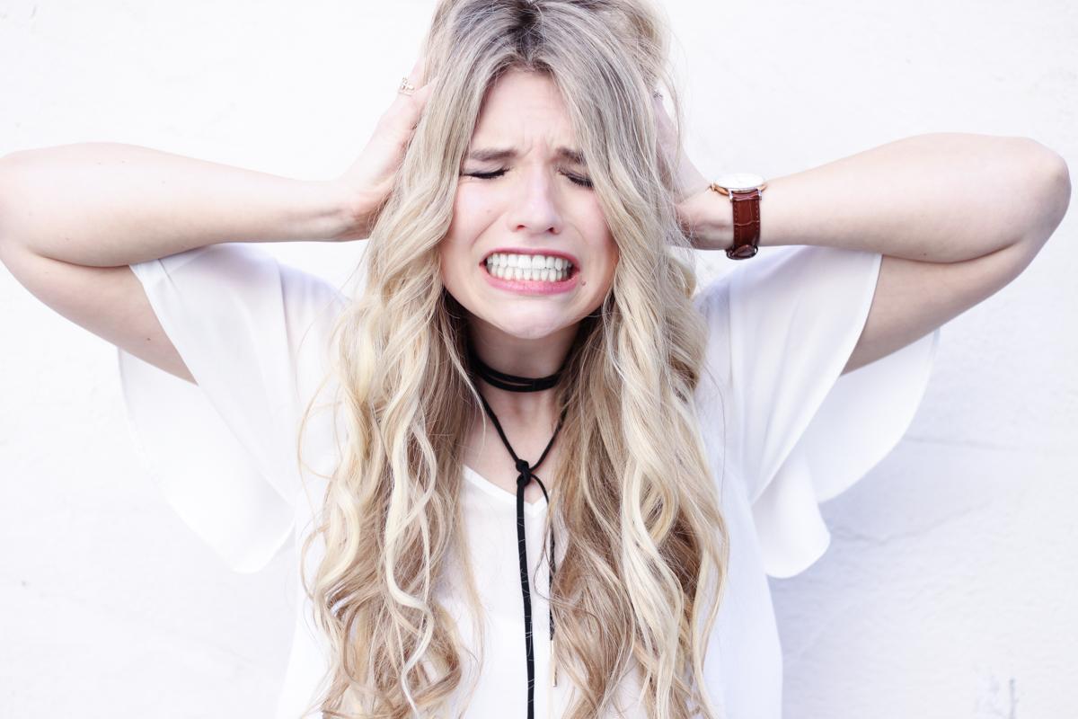 Franziska Elea Blogger Fashionblog Mode Instagram Influencer Locken Extensions Glätteisen Choker Asos Halsband persönlich privat