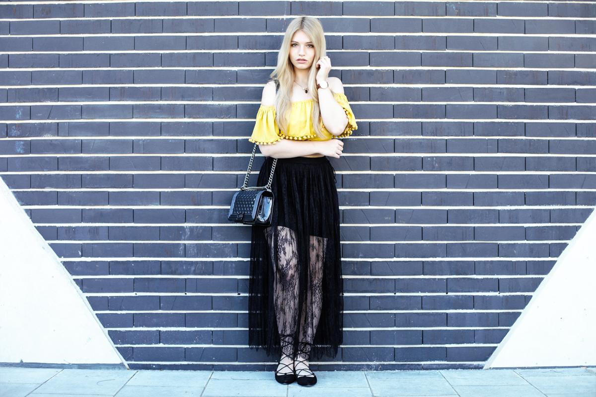 Franziska Elea Blogger Fashionblog Outfit Modeblog München deutsche Fashionblogger Influencer Chanel Lookalike Spitzenrock Deutschland Zara