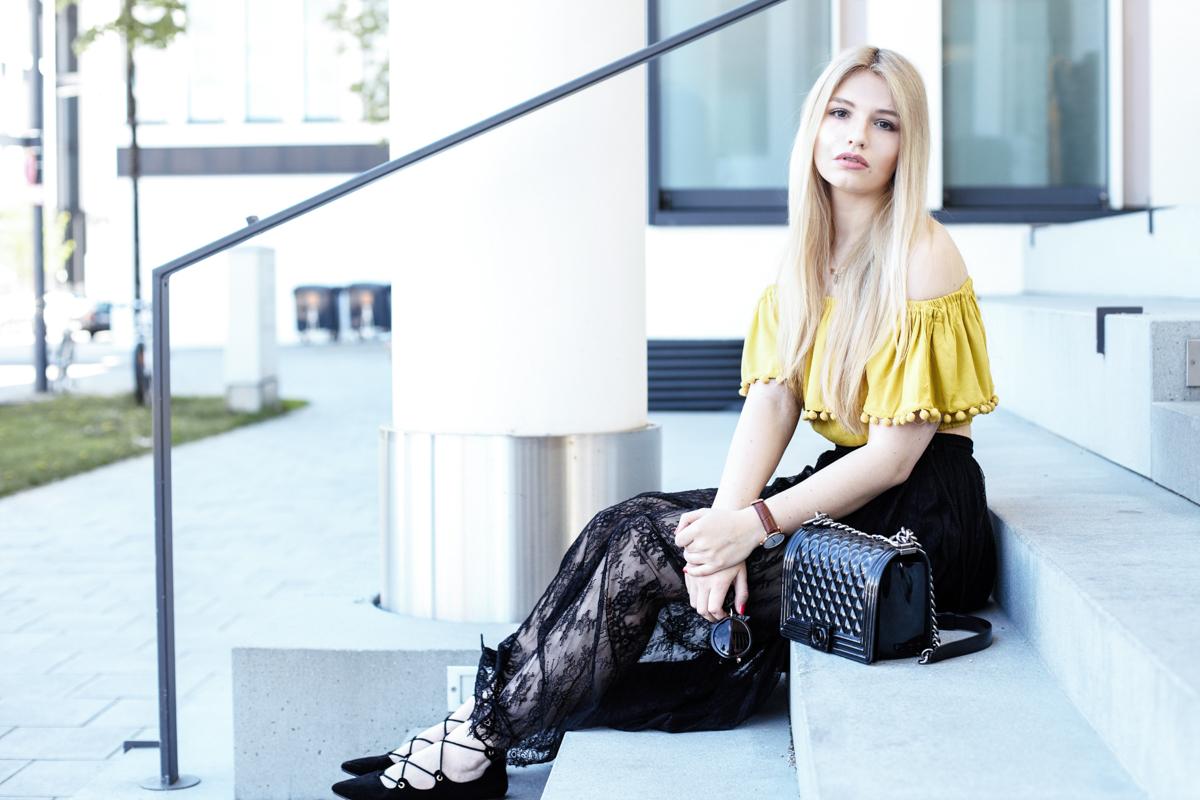 Franziska Elea Blogger Fashionblog Outfit Modeblog München deutsche Fashionblogger Off Shoulder Carmen Top Forever 21 Spitzenrock Deutschland Zara