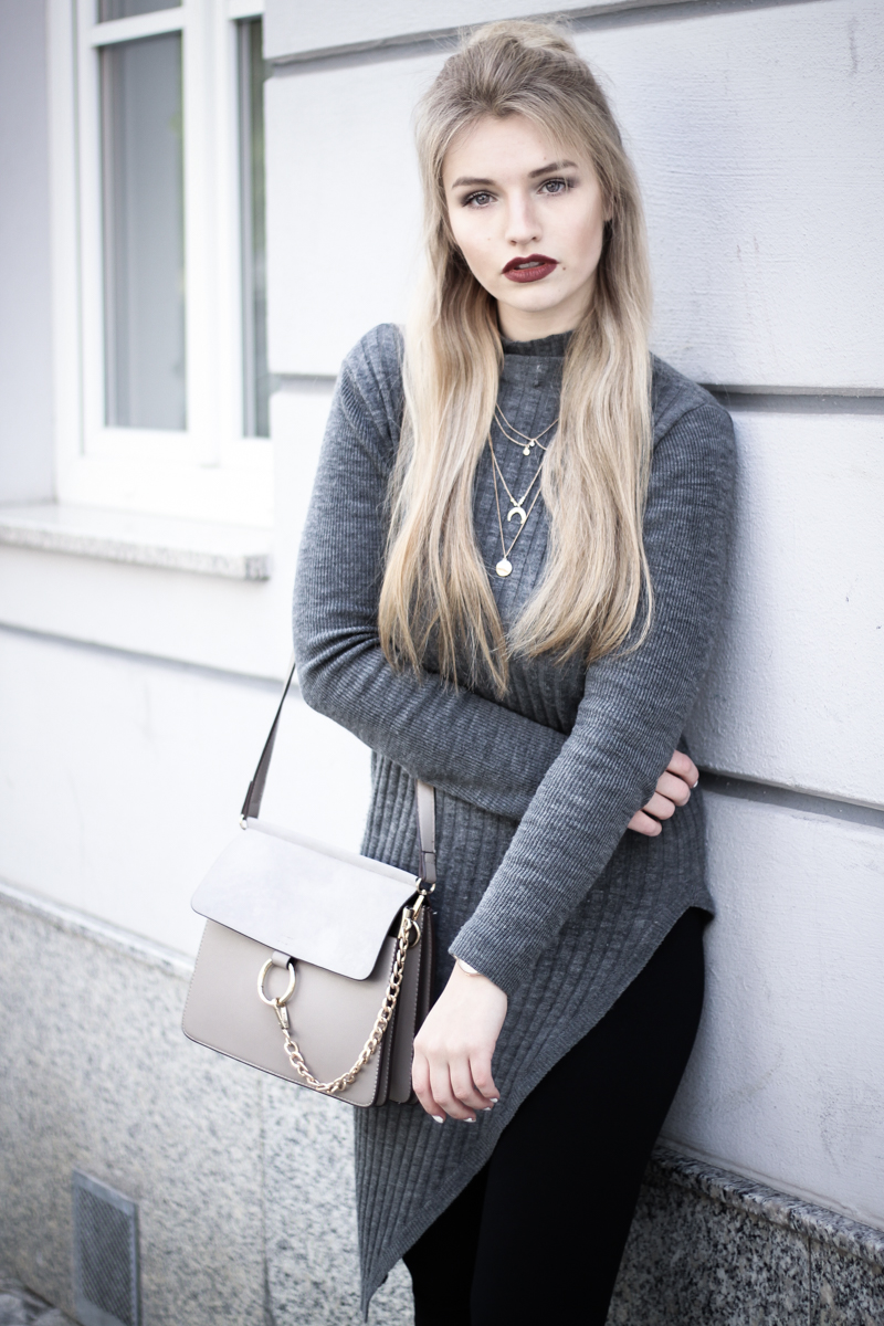 Franziska Elea Blogger Mode Lifestyle Beauty Fashionblog Outfit ootd Strickkleid Frühling Sommer Modeblog München Half Bun Frisur