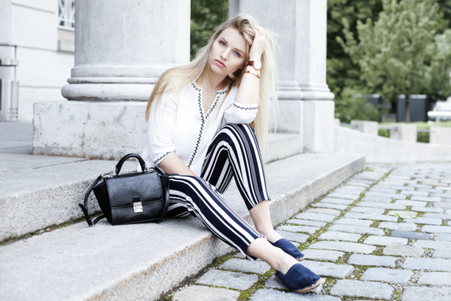 Franziska Elea Blogger München Modeblogger Bluse Shooting Fashionblog Must have Zara Streetstyle Fashion Mode ootd Outfit Sommertrend Espadrilles