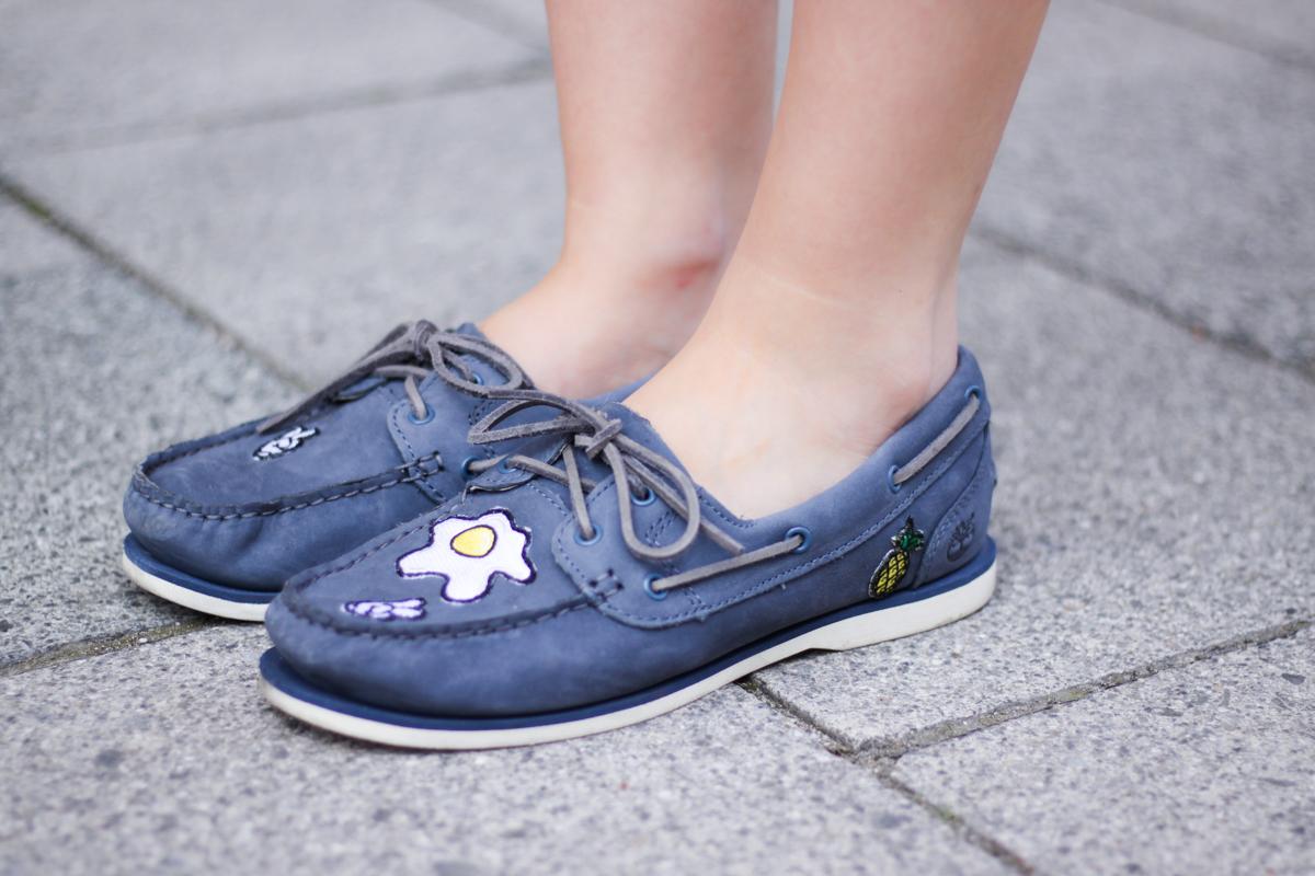 Franziska Elea deutsche Blogger Ananas Spiegelei Timberland Segelschuhe Bootsschuhe Patches customized selbst designed Sommer Schuhe blau