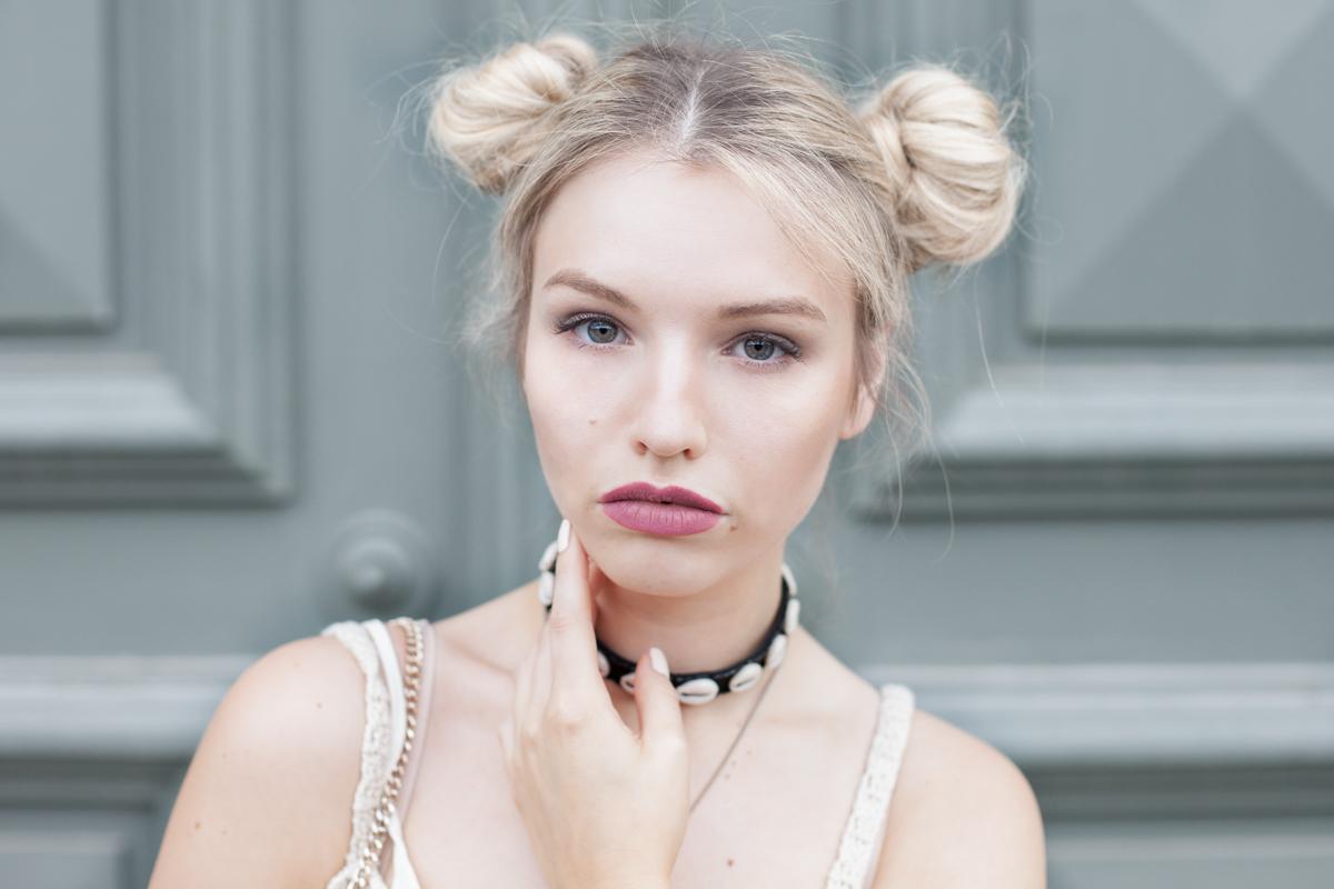 Franziska Elea deutsche Blogger Inspo Modeblog München Fashionblog Frisur Dutt Choker New Look Muscheln Halsband Make Up Halskette