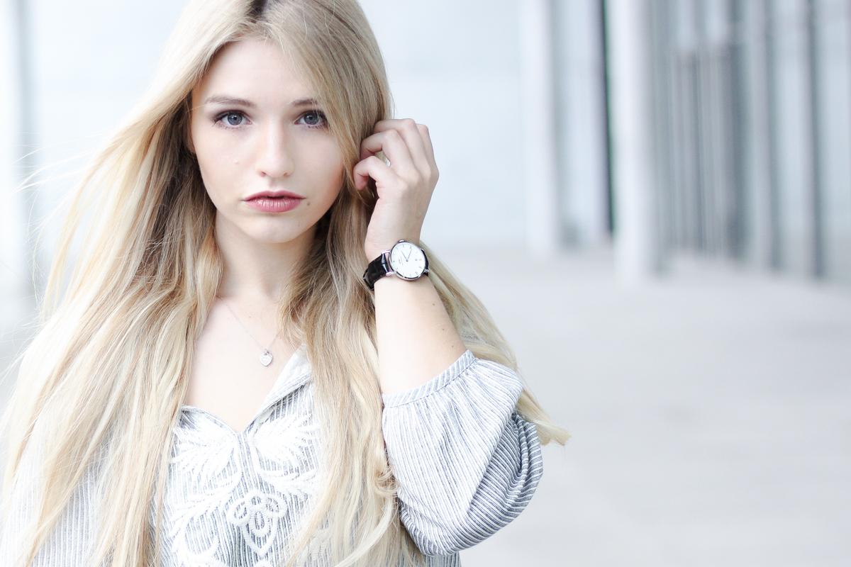 Franziska Elea deutsche Blogger München Modeblogger Instagram Jeans mit Löchern Rabattcode Uhr Armbanduhr minimal Daniel Wellington Code _