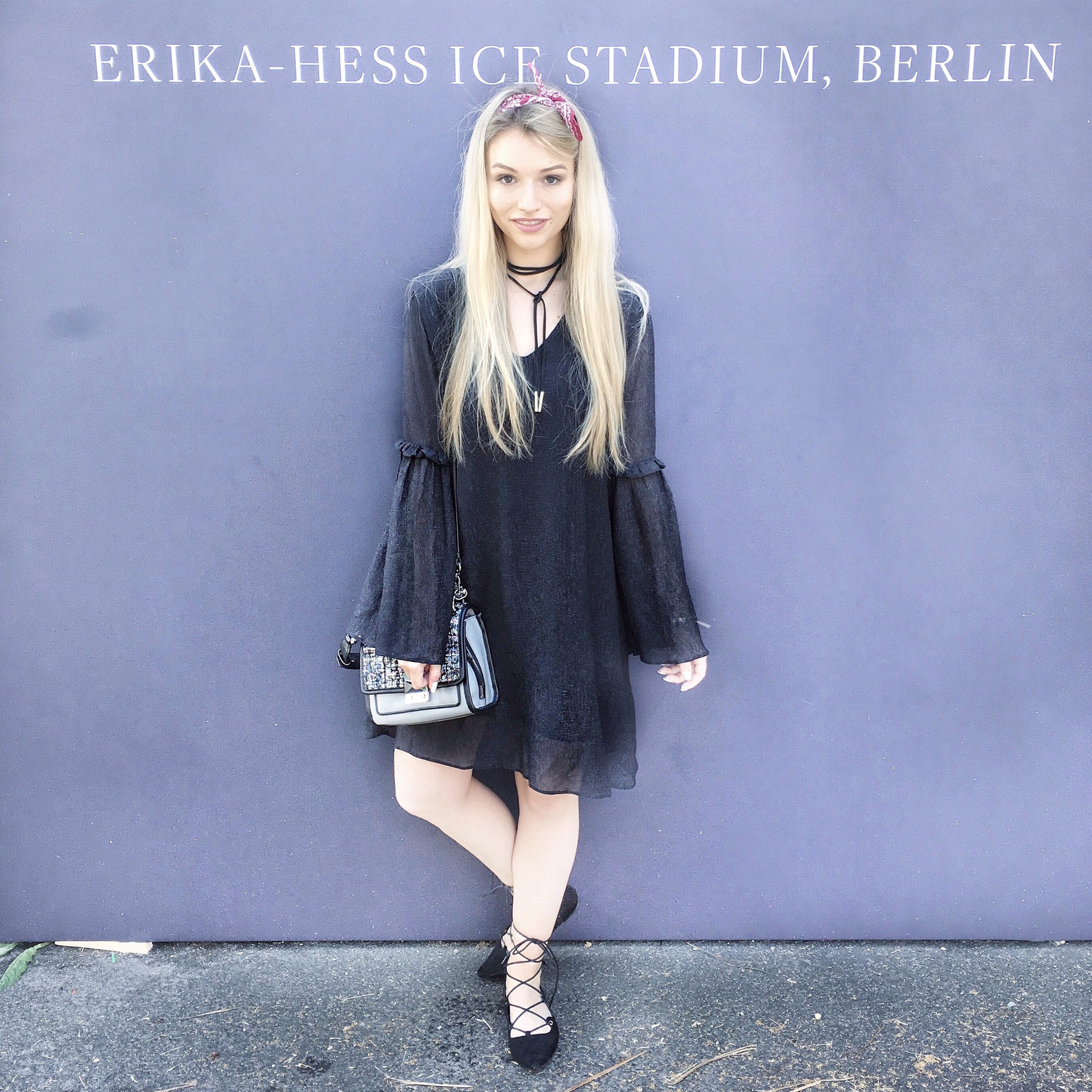 Franziska Elea deutsche Blogger Inspo Modeblog München Fashionblog Mercedes Benz Fashion Week Berlin Outfit Look Streetstyle Rich and Royal Bandana Karl Lagerfeld