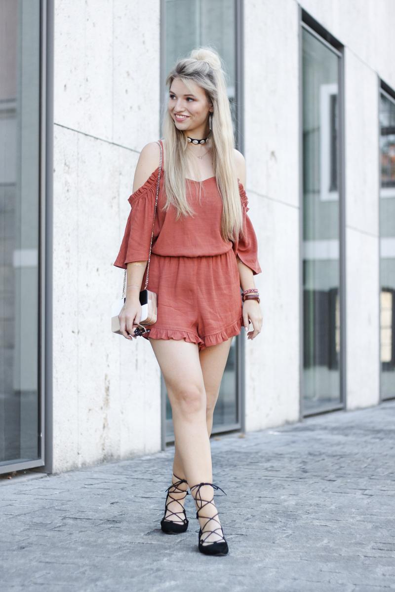 Franziska Elea deutsche Blogger Modeblog Fashion Blog München Jumpsuit Playsuit Mango Sommer ootd Look Style 2016 Choker Schnürsandalen