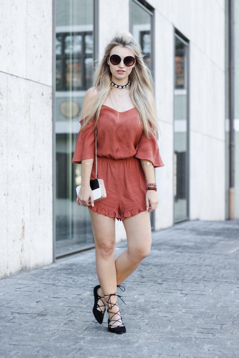 Franziska Elea deutsche Blogger Modeblog Fashion Blog München Jumpsuit Playsuit Mango Sommer ootd Look Style 2016 Choker Sonnenbrille