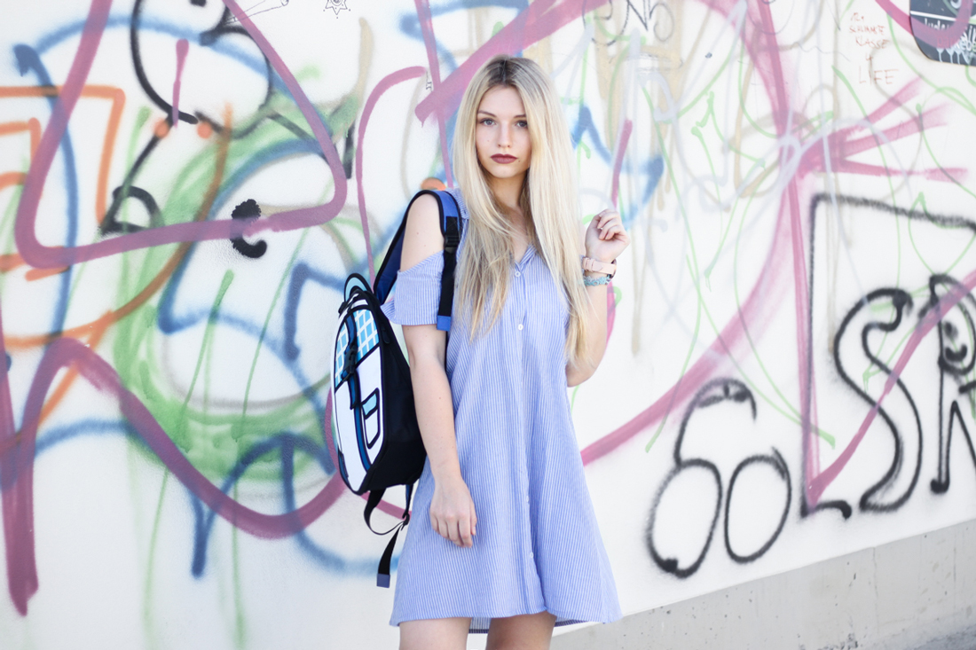 Franziska-Elea-deutsche-Blogger-Modeblog-Fashion-Blog-München-Kleid-Sommer-Bluse-Outfit-ootd-Sommerlook-Jump-from-Paper-Tasche-Comic-Look