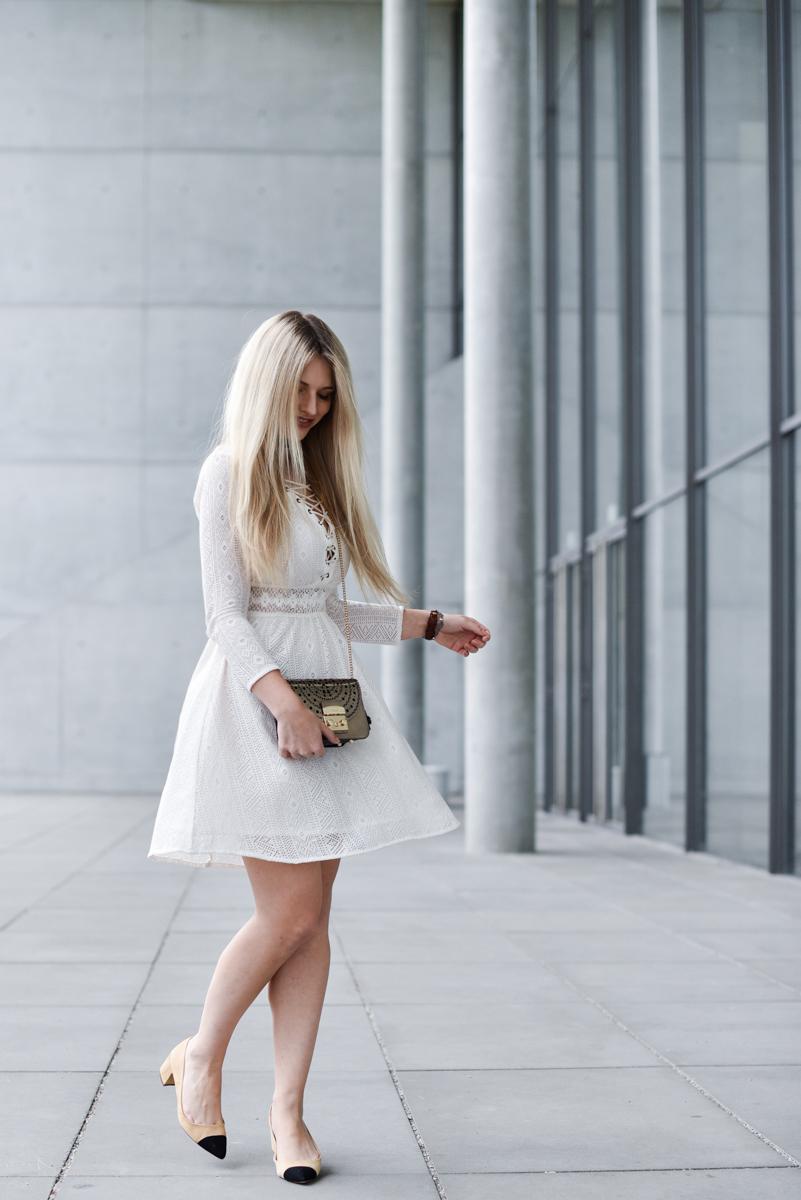 Franziska-Elea-deutsche-Blogger-Modeblog-Fashionblog-München-Kleid-Schnürung-Schnürkleid-Review-Sommerkleid-Sommer-Mode-Furla-Metropolis-Umhängetasche