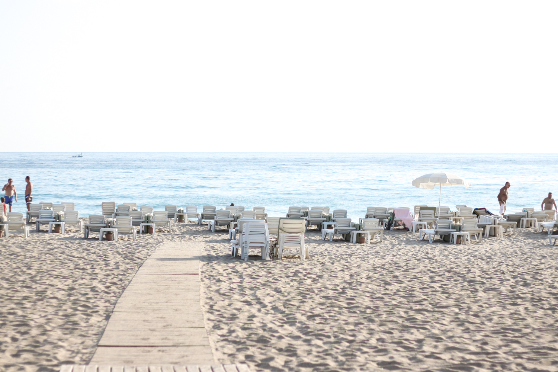 franziska-elea-deutsche-blogger-modeblog-fashionblog-muenchen-urlaub-meer-sea-wasser-summer-beach-sandstrand-kleopatra-beach-alanya-strandbett