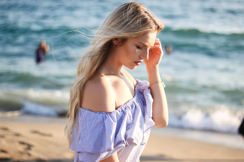 franziska-elea-deutsche-blogger-modeblog-fashionblog-muenchen-urlaub-portrait-shooting-sandstrand-kleopatra-beach-ocean-mittelmeer-off-shoulder