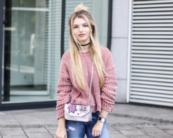franziska-elea-samt-pullover-von-zara-rosa-velvet-pulli-tasche-metallic-mit-patches-fashionblog-aus-muenchen-modeblogger-outfit-streetstyle-dutt-frisur