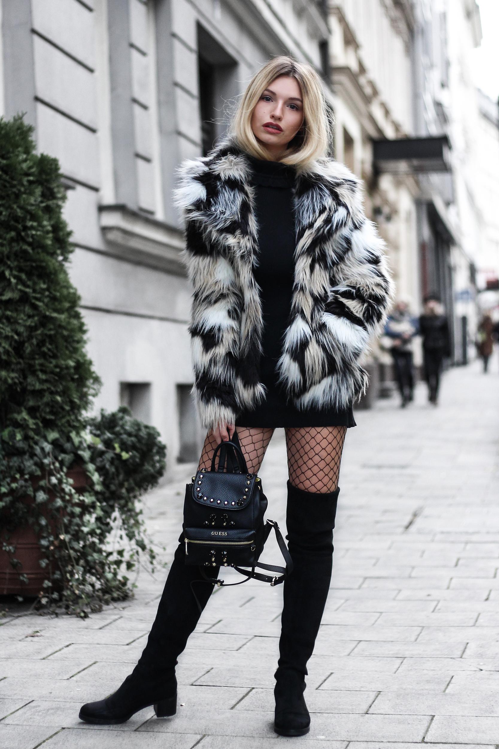 franziska-elea-blogger-aus-muenchen-fake-fur-jacke-netzstrumpfhose-overknee-stiefel-guess-rucksack-mit-nieten-fashionblogger-modeblog-herbst