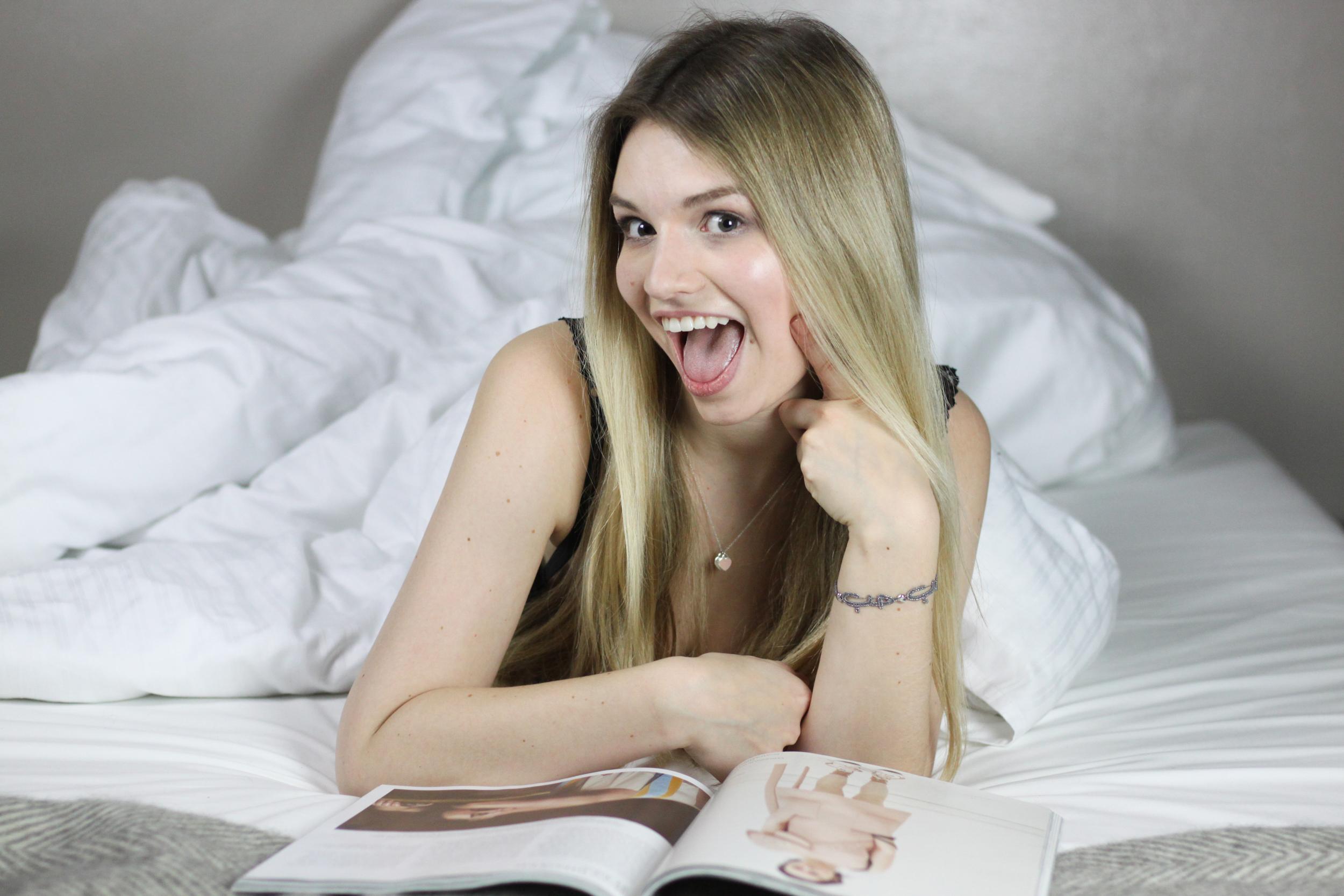 franziska-elea-blogger-aus-muenchen-fashionblog-mode-blog-outfit-dummes-gesicht-lustige-bilder-outtakes-peinliche-fotos-verschmierte-wimperntusche