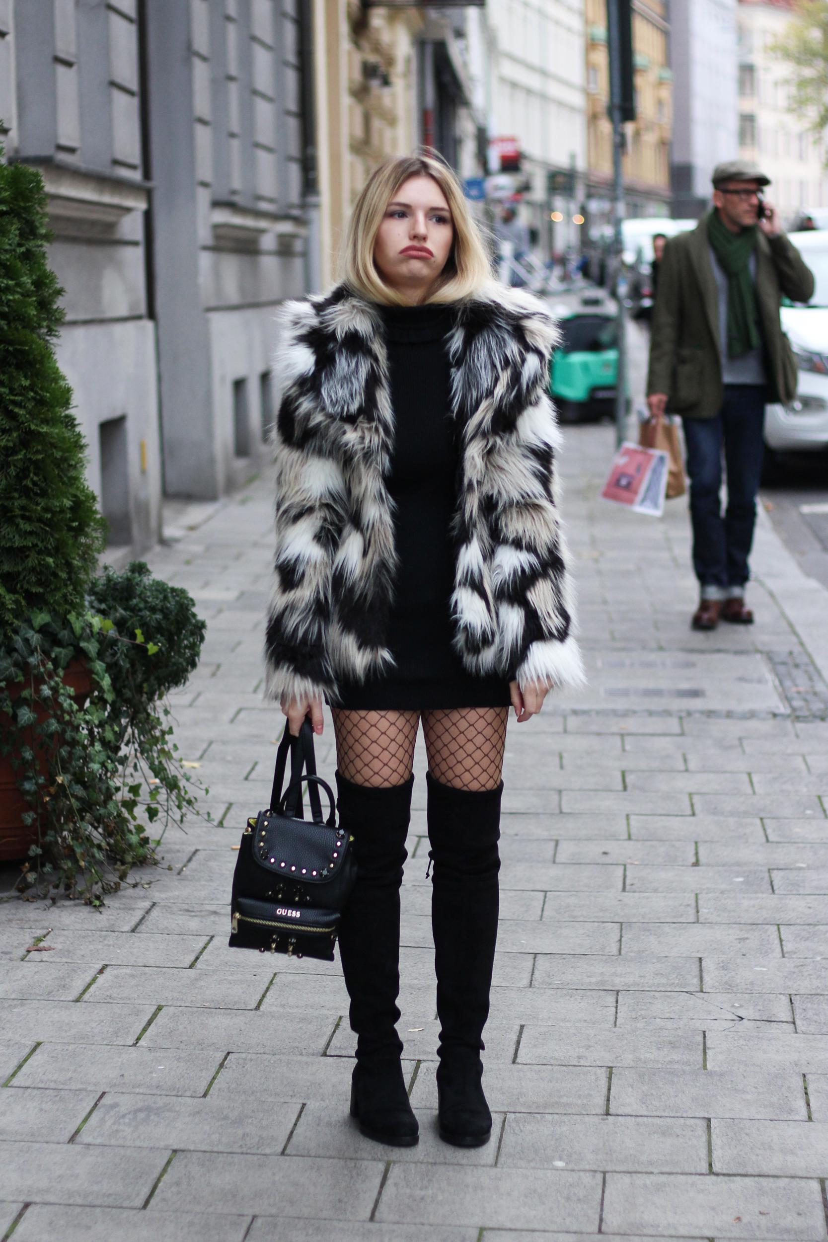 franziska-elea-blogger-aus-muenchen-fashionblog-mode-blog-outfit-dummes-gesicht-lustige-bilder-outtakes-peinliche-fotos-von-modeblogger