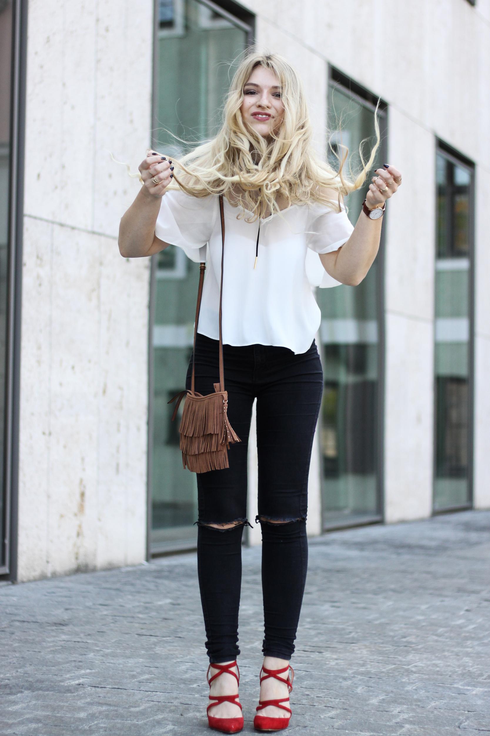 franziska-elea-blogger-aus-muenchen-fashionblog-mode-blog-streetstyle-rote-high-heels-zara-pumps-rot-herbst-outtakes-haessliche-fotos-peinliche-bilder