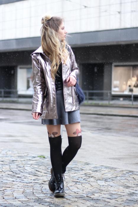 Outfit Metallic Raincoat Mickey Strumpfhose Dr Martens